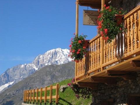 Chambres D Hotes Val D Aoste Italie A La Salle Locanda Lo Foo