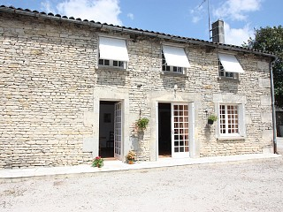 locations vacances Cottage Charente Countryside à MESNAC