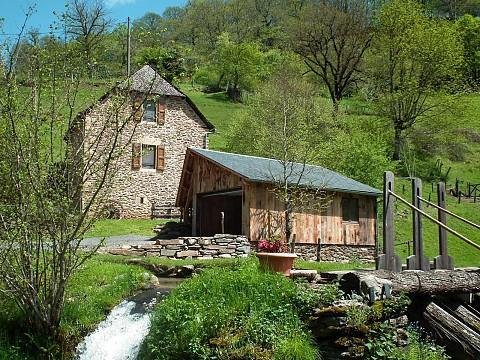 Gite du moulin de la germanie saint geniez d 39 olt - Gite avec piscine aveyron ...