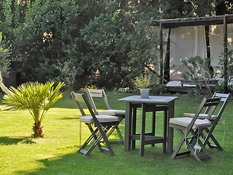 Chambres d 39 h tes eygui res bnb alpilles avec piscine 9 - Chambre hote salon de provence ...