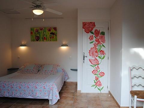 chambres d 39 h tes avec piscine var bnb montauroux villa thocha massif de l 39 esterel. Black Bedroom Furniture Sets. Home Design Ideas