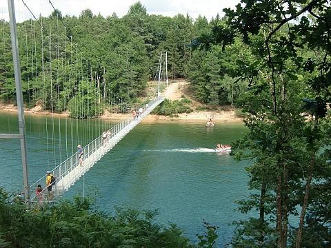 Location gite cantal en auvergne proche aurillac le rouget for Aurillac piscine