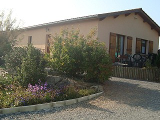 locations vacances Cottage Rhône Countryside à ODENAS