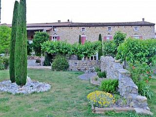 locations vacances Bed and breakfast Ardèche Countryside à VILLENEUVE-DE-BERG