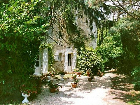 chambres d 39 h tes vend e 10 km fontenay le comte bnb xanton chassenon la vall e. Black Bedroom Furniture Sets. Home Design Ideas