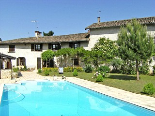 locations vacances Bed and breakfast Ain Countryside à GUEREINS
