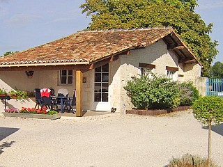locations vacances Cottage Charente-Maritime Countryside à ROMAZIERES
