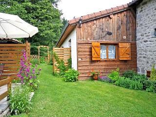 Gites ruraux puy de d me location gite puy de d me for Auvergne gites avec piscine