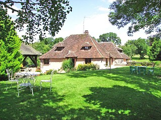 locations vacances Bed and breakfast Yonne Countryside à TANNERRE-EN-PUISAYE