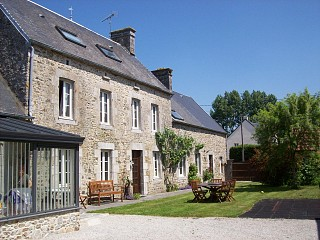 locations vacances Bed and breakfast Manche Countryside à TOURVILLE-SUR-SIENNE