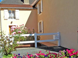 locations vacances Cottage Indre Countryside à EGUZON-CHANTOME