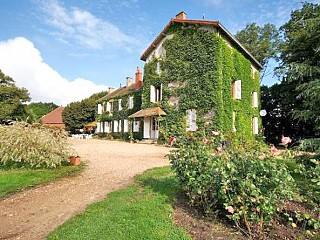 locations vacances Bed and breakfast Allier Countryside à PIERREFITTE-SUR-LOIRE