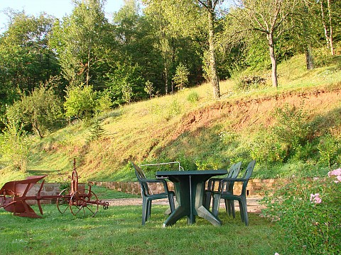 Location gite aveyron avec piscine 25 km rodez domaine for Aveyron camping avec piscine