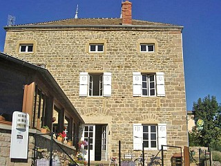 locations vacances Bed and breakfast Saône-et-Loire Countryside à SOLUTRE-POUILLY