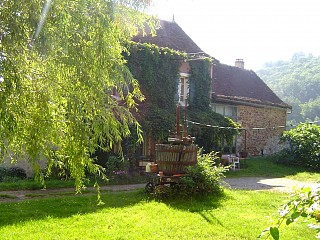 locations vacances Bed and breakfast Aveyron Countryside à SAINT-IGEST