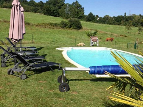 Location g te corr ze avec piscine pr s de brive la for Piscine de brive