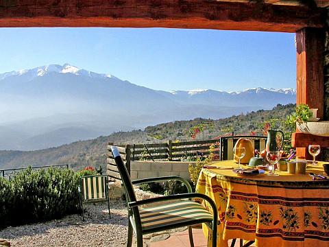 Chambres d 39 h tes pyr n es orientales 11 km prades bnb - Chambre d hote pyrenees atlantiques ...