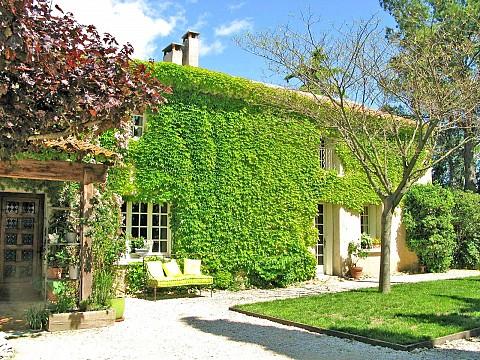 Chambres d\'hôtes Gard avec piscine entre Avignon et Orange ...