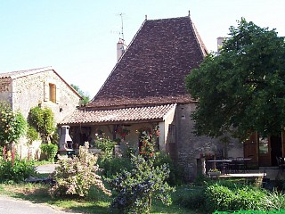 locations vacances Bed and breakfast Dordogne Countryside à MONPAZIER
