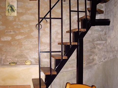 location g te vaucluse au pied du mont ventoux en provence malauc ne. Black Bedroom Furniture Sets. Home Design Ideas
