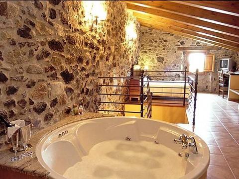 Vacances 20 pers en catalogne piscine et jacuzzi girona for Hotel pas cher catalogne