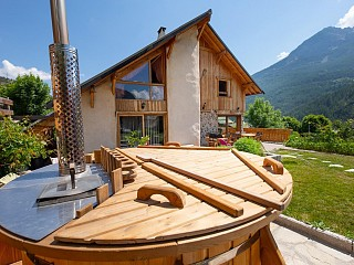 locations vacances Cottage Hautes-Alpes Mountain à SAINT-MARTIN-DE-QUEYRIERES