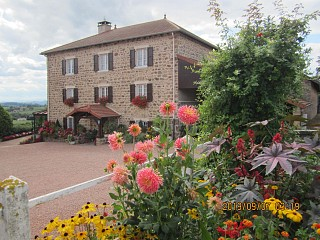 locations vacances Bed and breakfast Rhône Countryside à BOURG-DE-THIZY